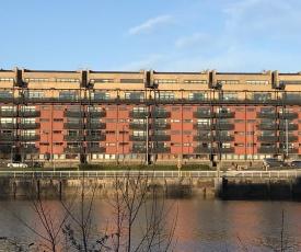 City Centre Riverside Apartment